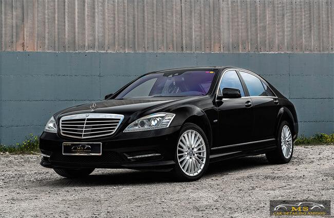 Mercedes-black